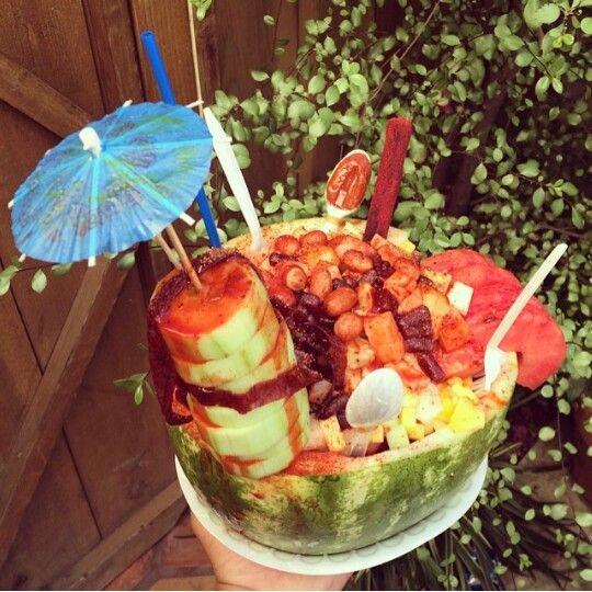 Pepino, cacahuate, sandia, piña y chiles