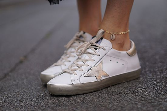 baskets #goldengoose #chaineDeCheville   -> more on http://www.modenmarie.com/la-jupe-tutu-en-tulle.html