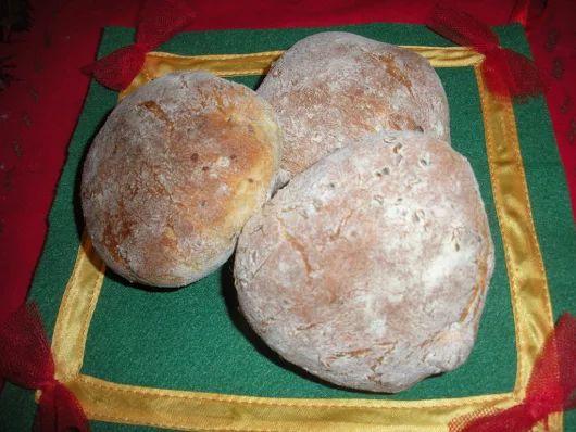 Muffuletta, panini con semi di anice | Cuoci e Scuci