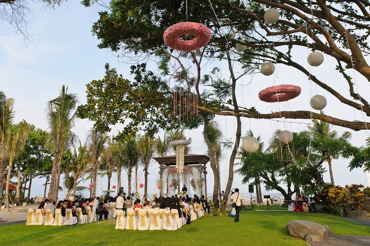 Striking tree top decorations for your Bali beach wedding with Botanica Weddings.
