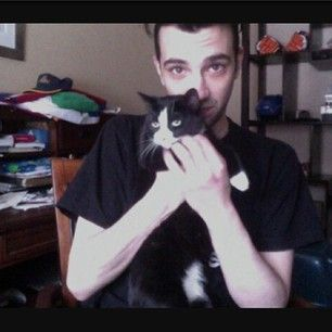Jay Baruchel | 28 Ridiculously Hot Celebrities With Incredibly Cute Cats