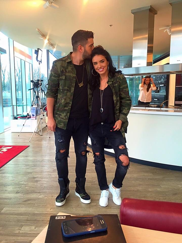 Matching outfits for me and you!couple look idea.army look!love it!