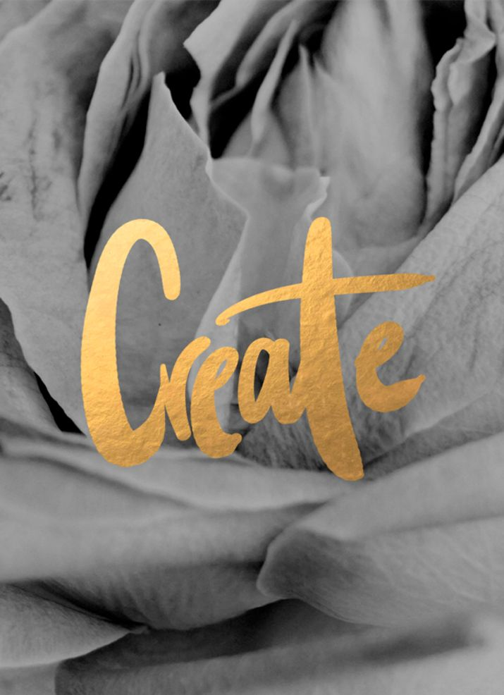 Amazing Gold leaf! Are You Obsessed With Hand Lettering, Too? - The Nectar Collective And yes, I'm obsessed with handwritten lettering when it's this gorgeous!