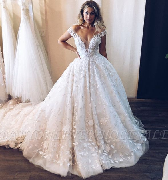 Stunning Off-the-Shoulder V-Neck Appliques Ball Gown Tulle Wedding Dresses