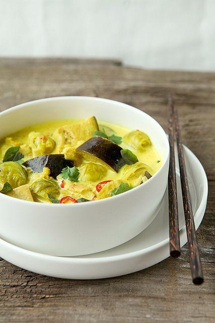 Veganistisch recept: vegan aubergine curry (met appels en spruitjes) #vegan #veganistisch #recept