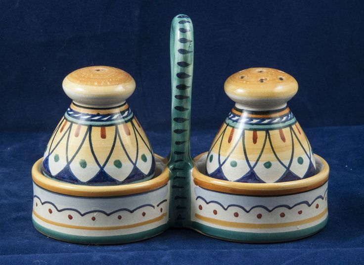 DERUTA POTTERY salt and pepper shakers in caddy HAND MADE AND PAINTED folk art