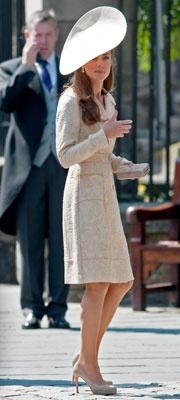 Nude Heels Galore at Zara Phillips's Wedding!Style, Catherine Middleton, Fashion Iii, Kate Middleton, Nude Heels, Floppy Hats, British Royal, Cambridge, Royal Duchess