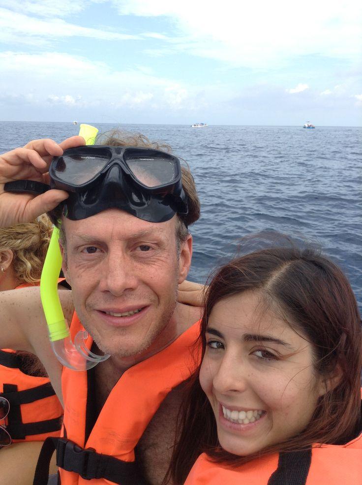 A nadar con ballena tiburon