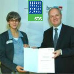2016-2017 IAS-STS Long-Term Fellowship Programme for International Fellows in Austria , and applications are submitted till December 31, 2015 . The IAS-STS is offering long-term fellowship to international research fellows who are not able to pay for their living expenses during their stay at the Institute. The fellowship provides its fellows the opportunity to perform work focusing on the relationship between technology and society.