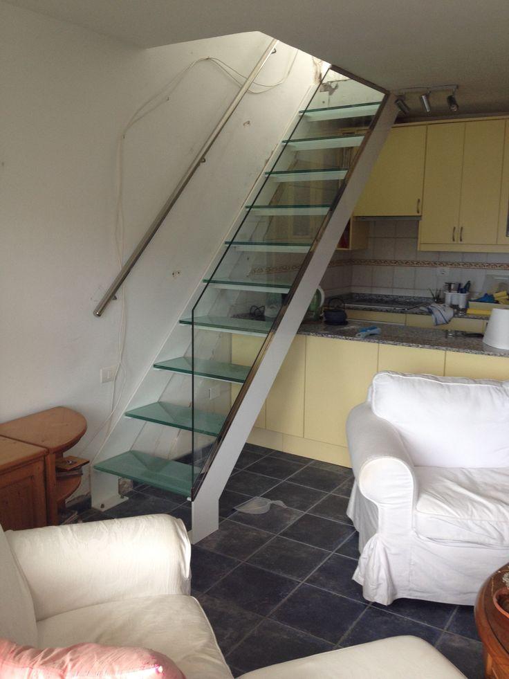 7 best escaleras reducidas images on pinterest stairs - Escaleras para espacios reducidos ...