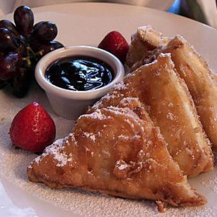There are many imitations out there, but if it's not deep fried, it's not a Monte Cristo. :)