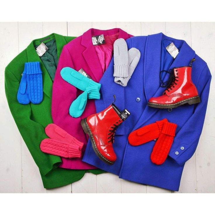 Vintage coats to brighten up your day 🔆 colourful bright vintage coats blue pink green oversize winter szputnyikshop