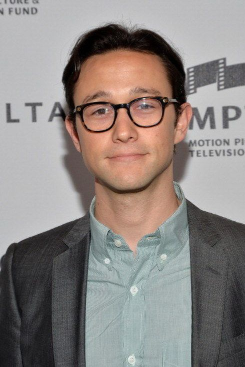 Joseph Gordon-Levitt wants to spend all day in bed talking about David Foster Wallace. | 23 Pictures That Prove Glasses Make Guys Look Obscenely Hot