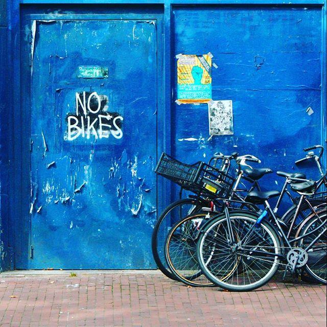 Bicycles in Amsterdam by La Ciudad al Instante © Cuando vuelva a Amsterdam iré a este mismo lugar y pondré mi bicicleta junto a las demás :)   #amsterdam #holanda #instagram #igworldclub #instagrammers #bicycle #soloparking #urbanstreet #communityfirst