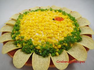 You're going to love this NO toss, Sunflower looking layered salad.  So perfect for any occasion.  Definitely will impress your guests. Are your taste buds watering yet? Come get the delish recipe!!! Ingredients: 1 can -12.5oz. chicken 1 can- 9...