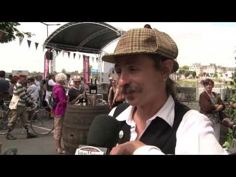 ▶ La vague rétro déferle sur Saumur - YouTube