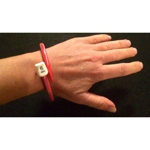 Armband av sticka