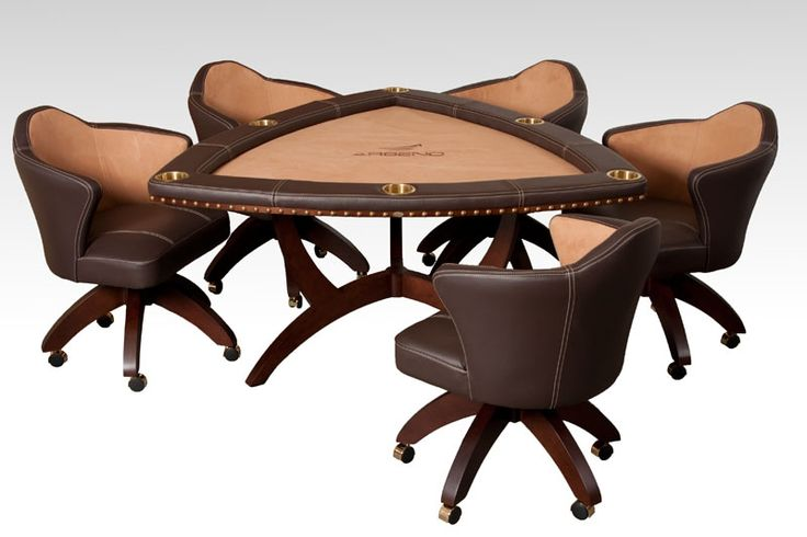 Triangular Arseno poker table