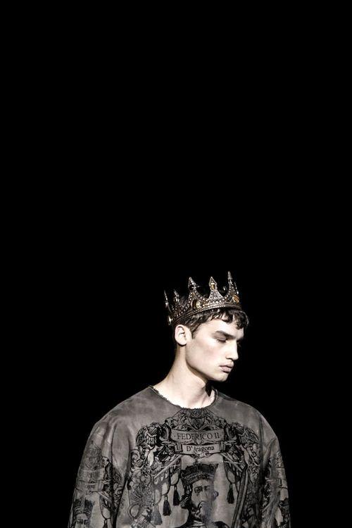 Crowned Prince on the Runway: Misa Patinszki at Dolce & Gabbana FW14.
