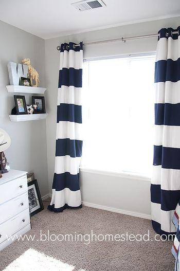 ボーダー柄のカーテン。シンプルなお部屋が一気にモダンでおしゃれになります。ボーダーのピッチで印象が変わるので、お好みのボーダーを選んでみて下さい。