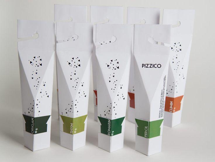 PIZZICO   MARIANNE KAUFMANN «L'emballage des épices «Pizzico» a été inspiré par une vieille tradition méditerranéenne de la conservation des herbes aromatiques qui s'appelle «Le bouquet garni», (...) qui permet de préserver les épices de la lumière, mais qui pourrait facilement être pendu, a ouvert rapidement et recyclée après utilisation.»