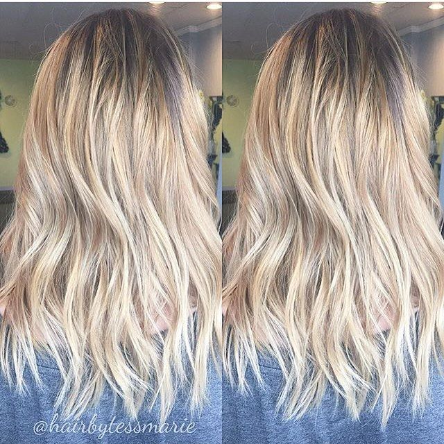 Beach blonde babylights. Color by @hairbytessmarie  #hair #hairenvy #haircolor #hairstyles #blonde #balayage #babylights #highlights #newandnow #inspiration #maneinterest