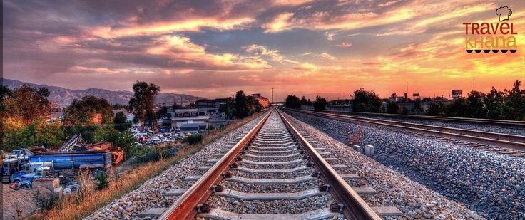 TravelKhana spoturtrain utility tracks live train status on Google map. Spoturtrain tool will help you to reach at station according to train delay status.