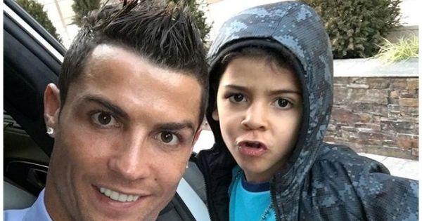 23 de dezembro de 2015: CR7 vai voltar a ser pai (FLASH!Vidas) Com: Cristiano Ronaldo e Jorge Mendes