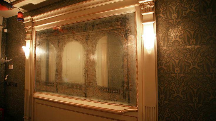 Старинное состаренное зеркало в венецианском стиле и технике
