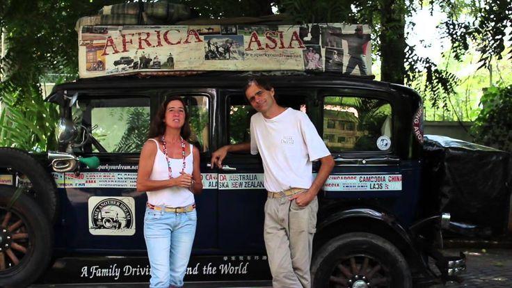 Catorce años viajando en un coche de 1928 por medio mundo. Comenzaron Herman y Candelaria en Buenos Aires. Hoy son seis, Pampa, Tehue, Paloma y Wallaby fuero...