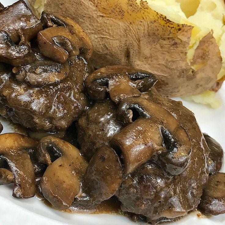 Simple Chopped Steak recipe with mushroom gravy. Homemade Chopped Steak. How to make chopped steak from scratch