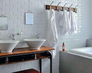 1000 id es sur le th me crochets de salle de bains sur for Photo douche italienne avec marche