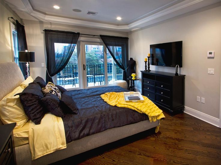 17 best images about bedrooms on pinterest purple for Black and yellow bedroom designs