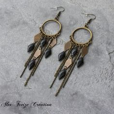 Bijou créateur - boucles d'oreilles bohèmes bronze intercalaires ethniques breloques pampilles chaînes et sequins émaillés noir
