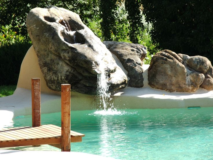 M s de 25 ideas fant sticas sobre cascada de la piscina en for Piscina de arena construccion