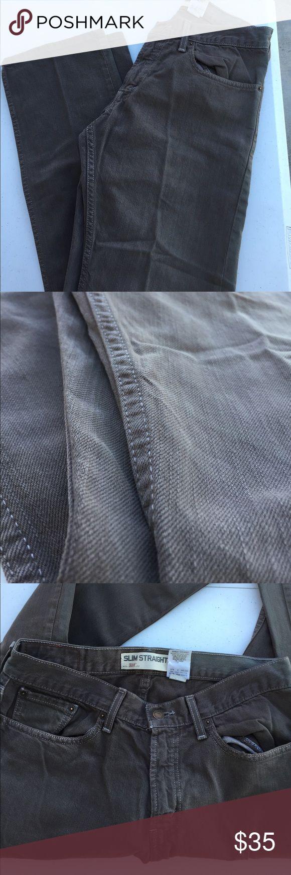 Men's LEVI 514 Slim Straight Jeans 32/32 Men's LEVI 514 Slim Straight Jeans 32/32 stone colored wash. Very good condition. Gently used. Levi's Jeans Slim Straight