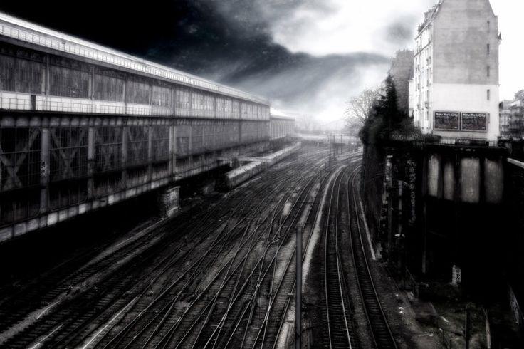 Série manière noire - Paris Saint-Lazare - Photographie,  60x40 cm ©2016 par lionel morateur -                                            Papier, Paysage urbain, rail, gare, paris
