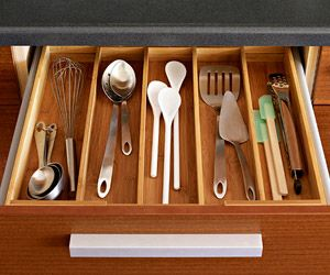 #organizing utensils: Simple Solutions, Kitchens Ideas, Kitchens Utensils, Kitchens Drawers, Utensils Organizations, Kitchens Storage Organizations, Storage Ideas, Drawers Organizations, Utensils Drawers