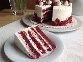 Asi jako každého i mě tenhle dort zaujal svou typicky červenou barvou. Když jsem ho před lety pekla poprvé, vůbec jsem netušila, co od něj ...