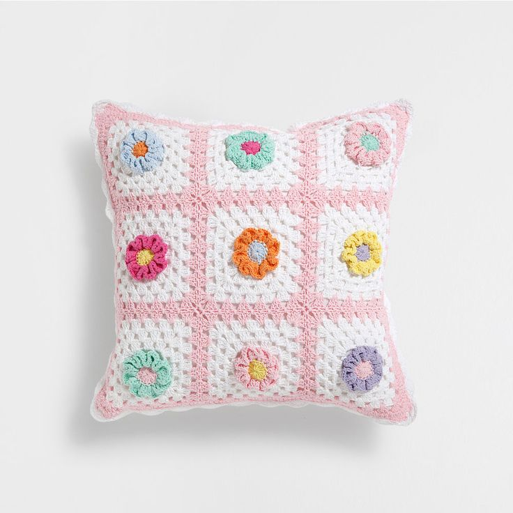 Zara home kids cotton crochet cushion zara next h m - Cojines a crochet ...