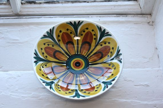 Hand painted large bowl by Arabia Finland