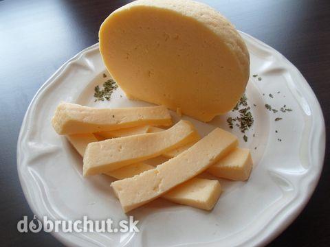 Fotorecept: Veľkonočná hrudka SUROVINY: 1 liter mlieko 8 ks vajce soľ cukor