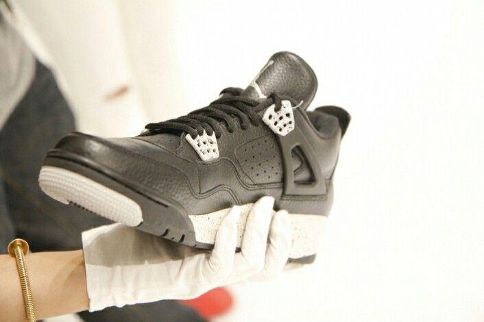 Air Jordan Retro 4 Oreo's