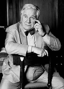 Peter Ustinov - magnificent timbre to his voice..