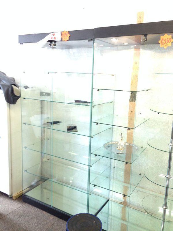 Shop Display Cabinets Second Hand Shop Displays 26062019 00 14 Glass Cabinets Display Display Cabinet Display Case