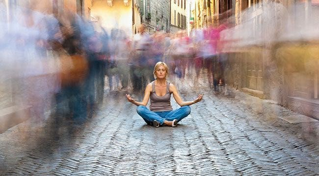 """К сегодняшнему моменту каждый из вас наверняка слышал слово """"медитация"""", но возможно не каждый понимает истинное значение этого слова. В большинстве случаев первое, что приходит в голову это картинка йога, сидящего в позе лотоса с закрытами глазами. Но что же это значит на самом деле?"""