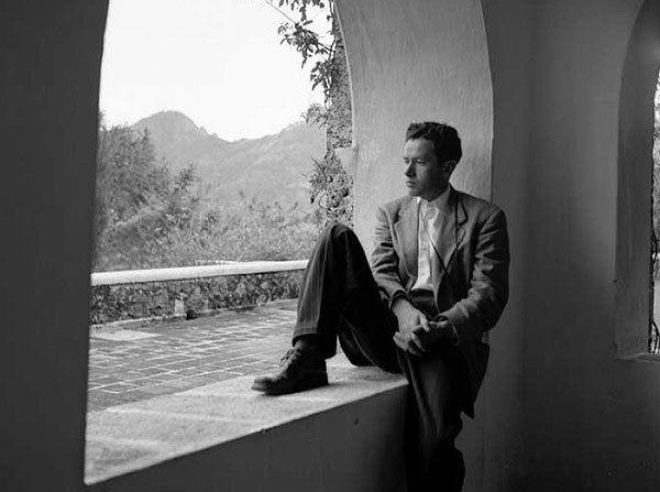 Para el centenario de Juan Rulfo, escritor mexicano, retomamos una entrevista realizada por Martín Caparrós en Buenos Aires en 1983, la cual lo retrata en genio y figura; habla de la lengua española, de Octavio Paz, de Borges y la muerte.