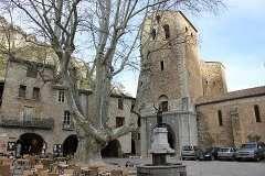 Visiter Saint-Guilhem-le-Desert, guide de voyage et information de tourisme pour Saint-Guilhem-le-Desert (Herault, Languedoc-Roussillon)