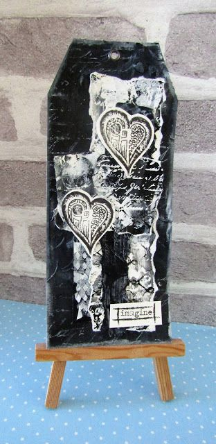 Hearts Tag by Gemma using stamps and stencils from The Artistic Stamper #artisticstamper #neilwalker #mixedmedia #tags #hearts #blackandwhite #create