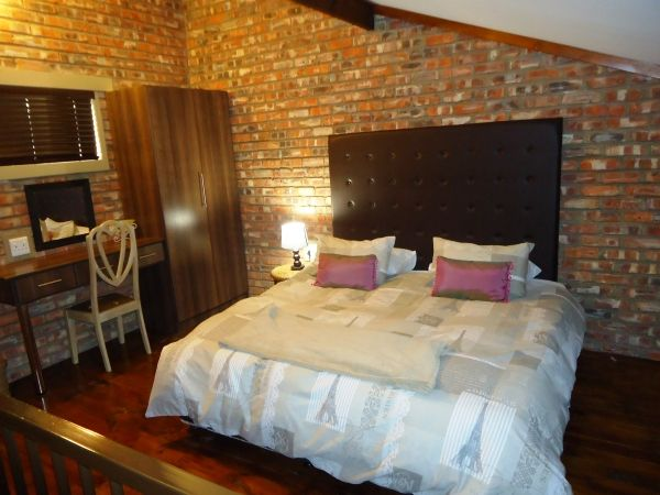 Fairways Guest house. Fairways Guest house located in Uitenhage, South Africa. Fairways Guest house company contacts on South Africa Directory. Send email to Fairways Guest house.
